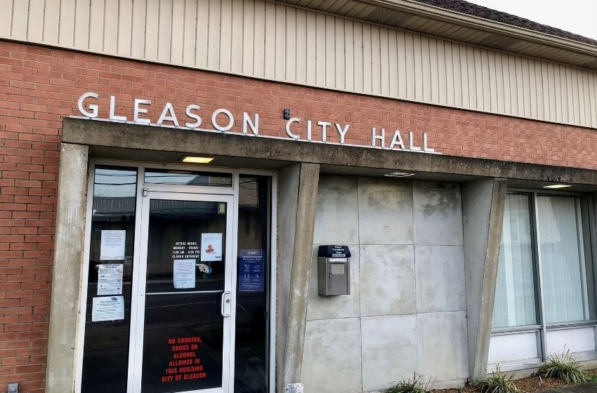 Gleason hires interim city recorder, agrees to lease building for police department