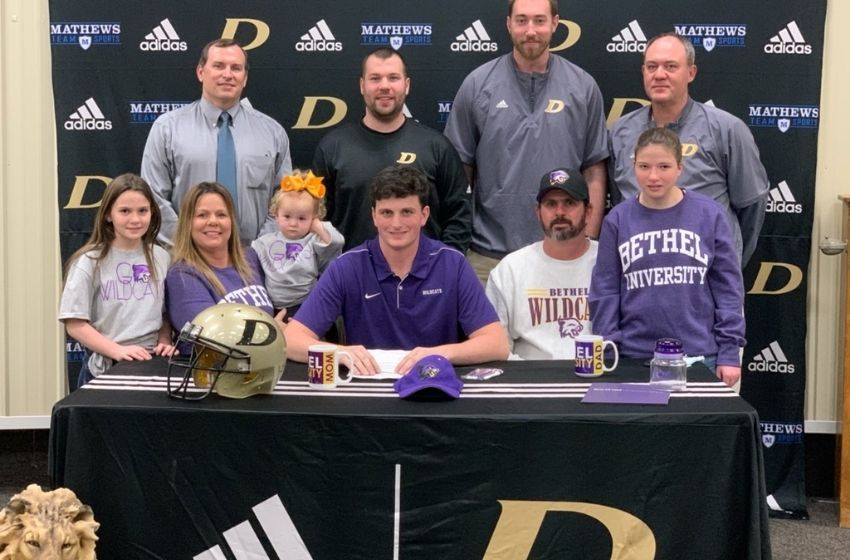 Dresden's Logan Taylor signs with Bethel