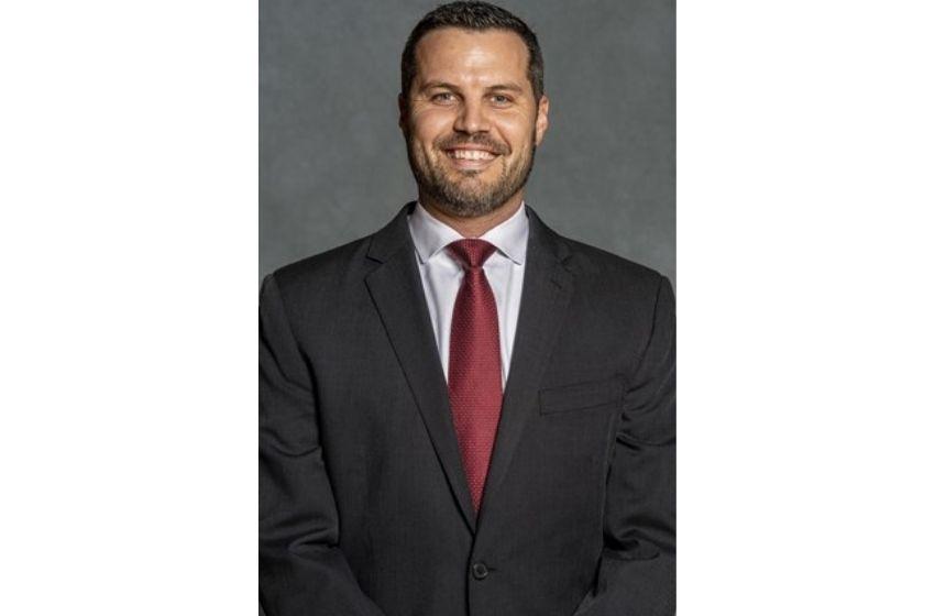 Ryan Ridder named new Skyhawk men's basketball coach