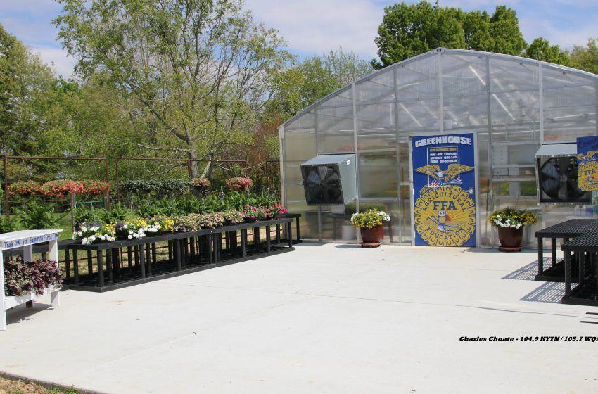 Fulton County High School Dedicates New FFA Greenhouse